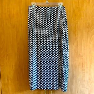 Vince Camuto XL Black and white print skirt